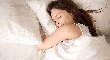 Lo que dice tu postura de dormir sobre tu personalidad
